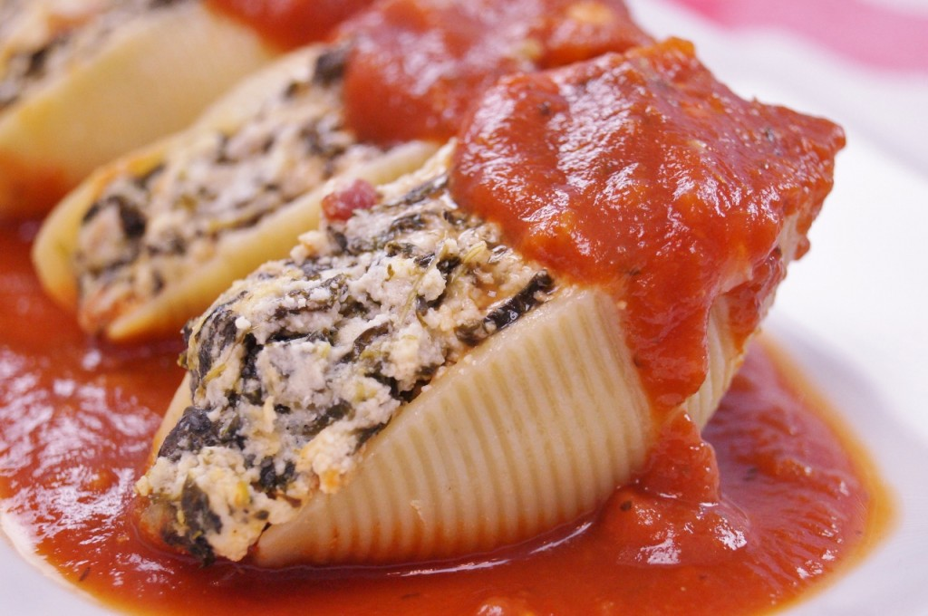 Pasta Shells Stuffed with Spinach and Ricotta Cheese