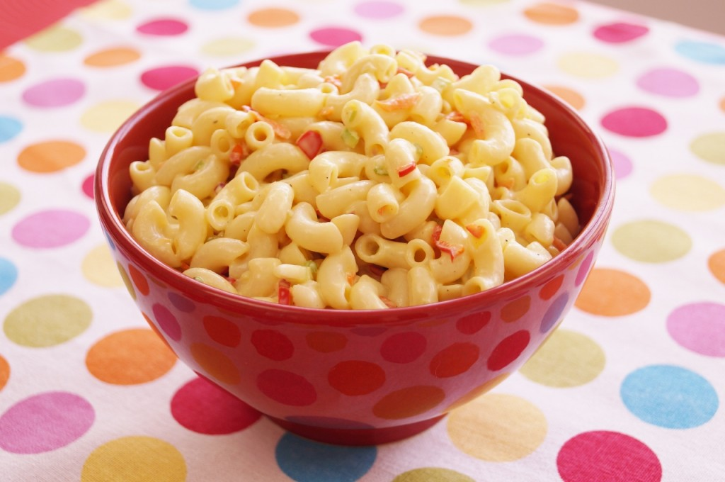 Classic macaroni salad dishin with di cooking show recipes calssic american macaroni salad forumfinder Choice Image